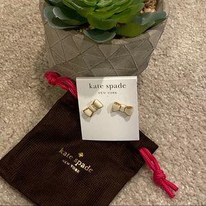 Kate Spade bow earrings!! ♠️